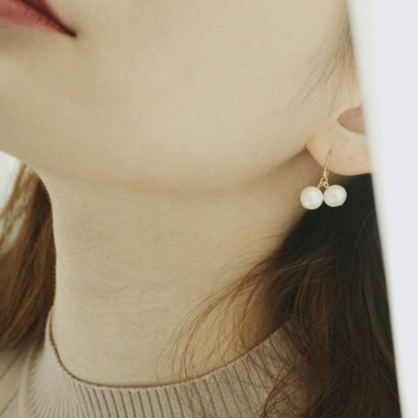 Twin Natural Pearl Hook Earring