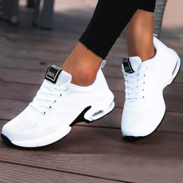 Women Lightweight Sneakers Air Cushion Ladies Trainers Basket Tenis Casual White Platform Flat Sneakers Breathable Mesh Comfort